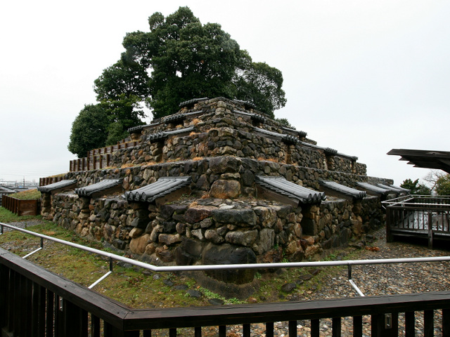 日本にもあった、ピラミッド