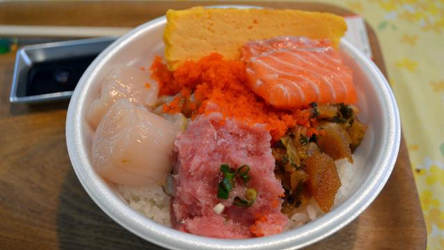 具を自分で選ぶ海鮮丼「のっけ丼」の失敗と反省